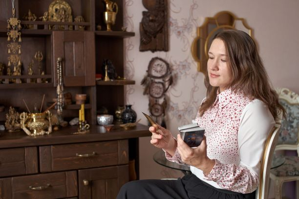 Гадалка Троценко Людмила ясновидящая, маг, экстрасенс, таролог